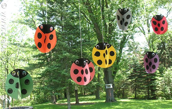 classroom decorationSummer Crafts, Crafts Ideas, For Kids, Birthday Parties, Kids Crafts, Swirls Twirling, Lady Bugs, Craft Ideas, Twirling Ladybugs