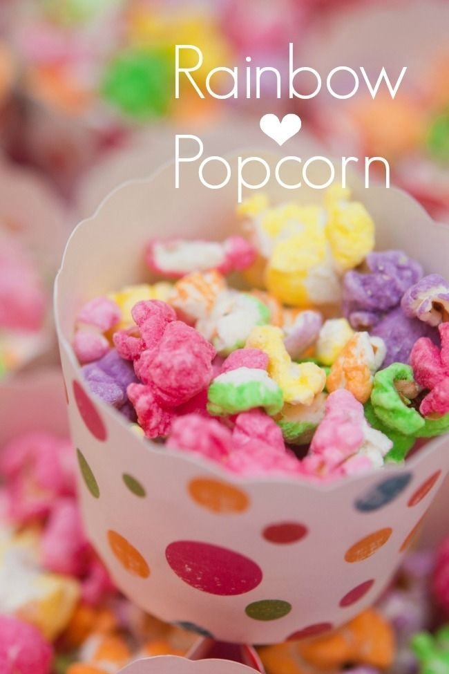 Rainbow Popcorn! {Full recipe: http://www.thefrugalfoodiemama.com/2013/02/sweet-salty-rainbow-popcorn.html}