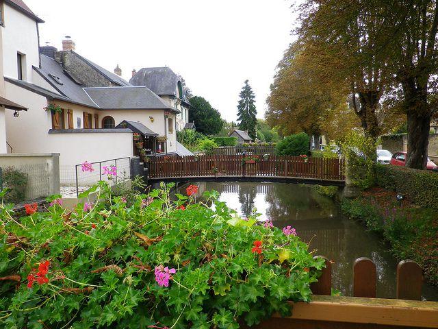 La Ferté-Bernard, Sarthe. Pop: 9235.