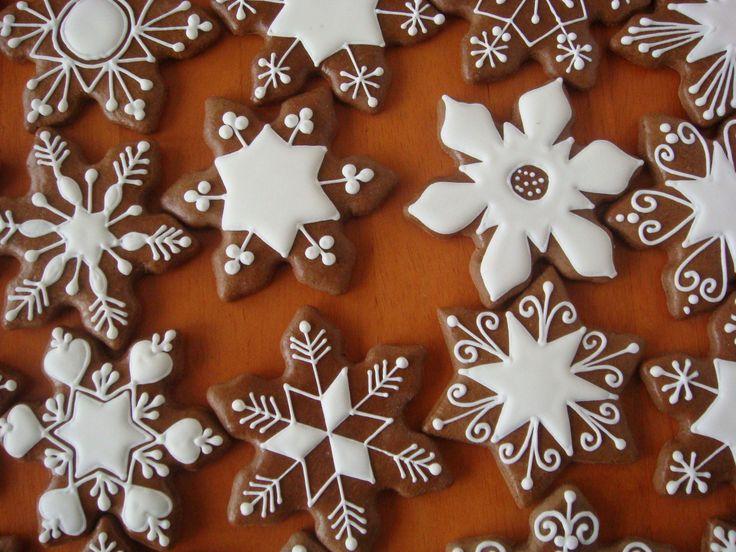 Found on medovniky-kraslice.wbl.sk christmas ginger cookie