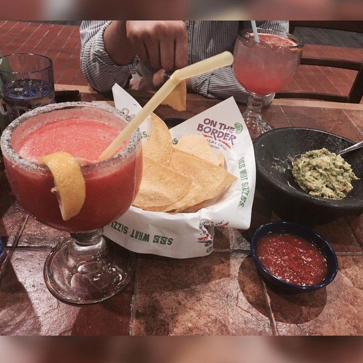 #온더보더  #과카몰리 테이블에서 바로 만들어주심 #딸기마가리타 속이 다 얼얼❄️ . . #식탐없는남자랑 #참재미없는시간 #mexicancuisine http://w3food.com/ipost/1509368702399147405/?code=BTyWtZ9l-2N