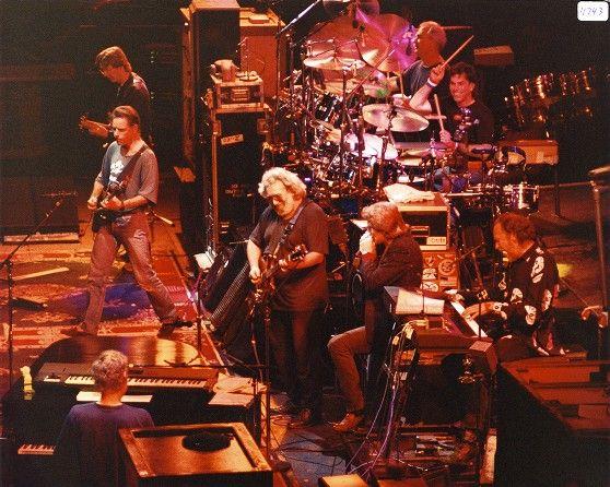 """Grateful Dead: Bruce Hornsby, Phil Lesh, Bob Weir, Jerry Garcia, Huey Lewis, Bill Kreutzmann, Mickey Hart, Vince Welnick performing """"Lovelight"""""""