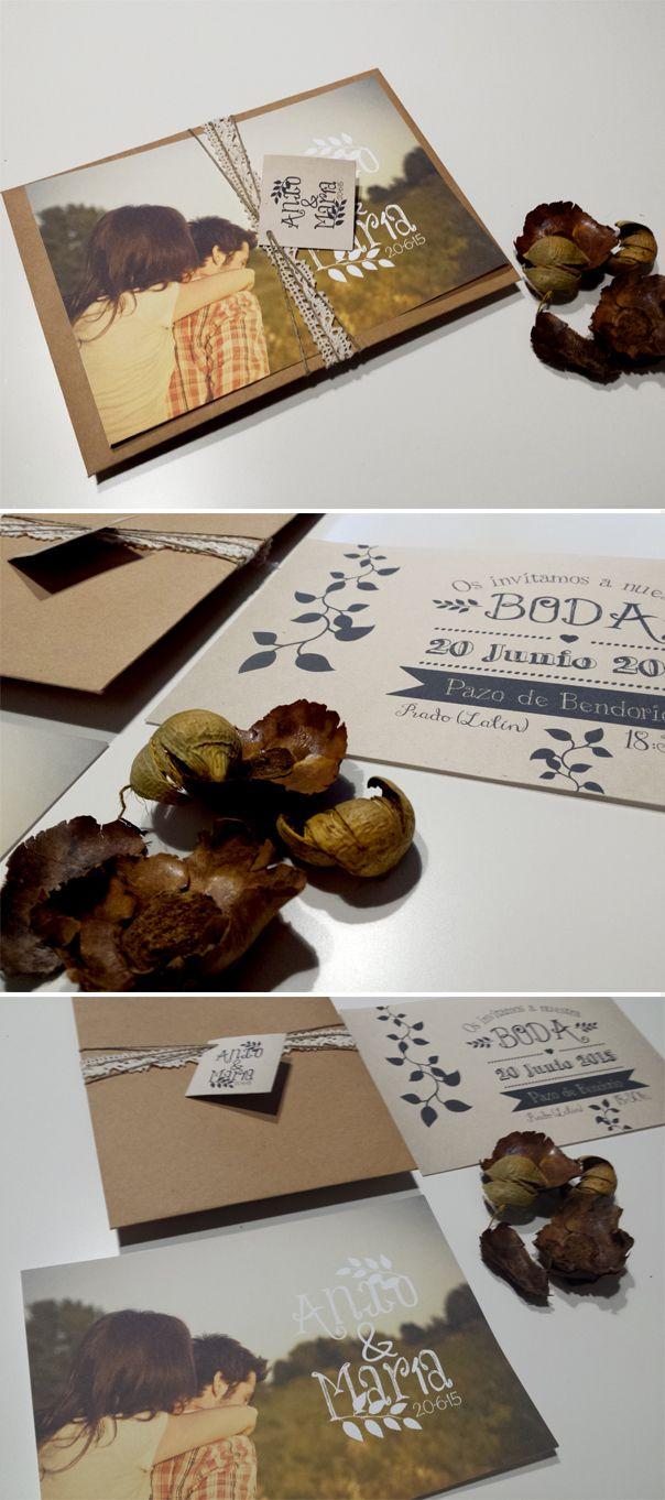 Invitacion de boda personalizada con foto de estilo rústico y sobre kraft con…