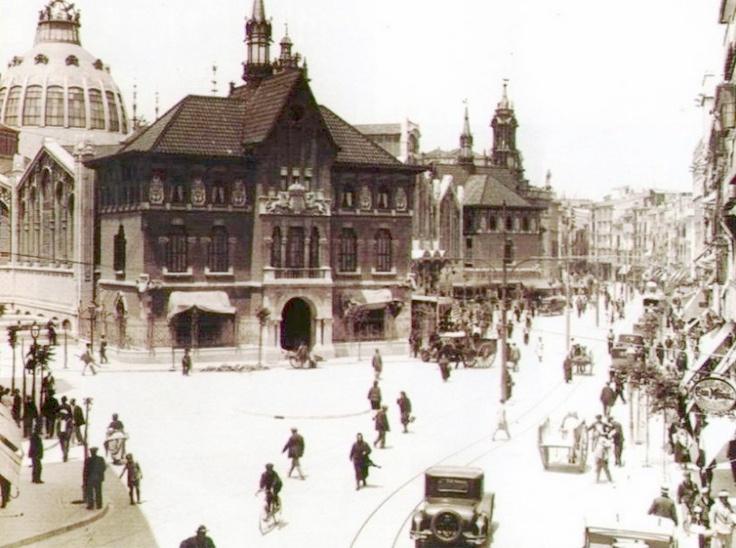 Aún no había nacido el inventor de la zona azul.Mercado Central de Valencia