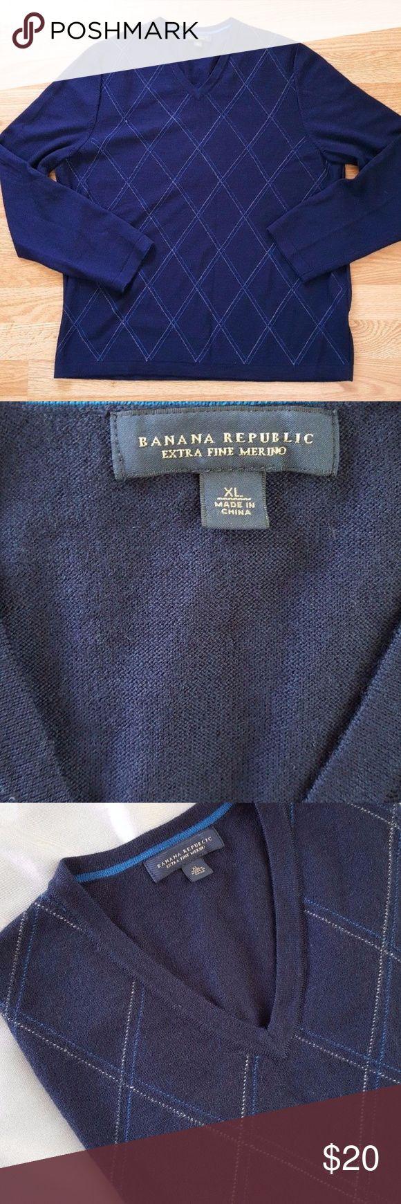 "Banana Republic Mens V-neck Sweater Merin Sz XL Banana Republic Men's Sz XL Blue Long Sleeve V Neck Sweater 100% Merino Wool  measurements :  Chest:22.5 "" Aprox Long:27 "" Aprox Sleeve :26 "" aprox shoulder: 17"" aprox  Condition: very good. Banana Republic Sweaters V-Neck"