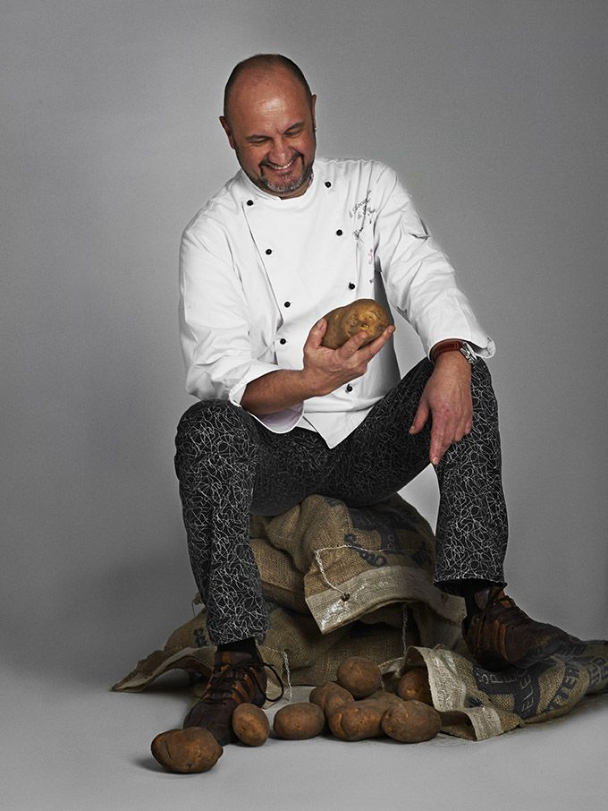 Renato Rizzardi, 1 star Michelin Chef, will be cooking at Diamonds Thudufushi in the Maldives from 24th January to 1st February 2016 exclusive dishes designed only for Diamonds Resorts guests.#diamondsresorts #jreitalia #thudufushui #chef #chefmichelin #culinaryexcellence #maldives #holidays #indianocean