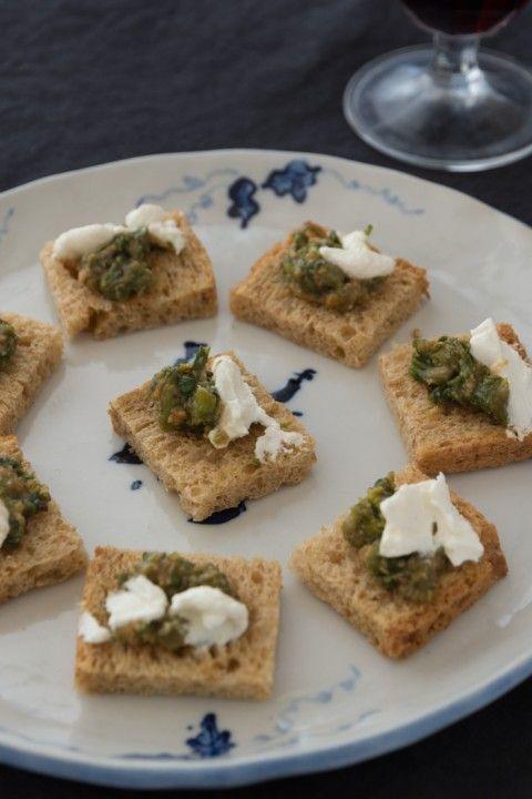 ふきのとう 基本の食べ方&レシピ   農Pro 珍しい野菜の食べ方&レシピ ふきのとう味噌とクリームチーズのカナッペ