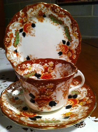 Royal Albert...Years ago..(have Always been obsessed w/cobalt blue) I knew it needed 'orange' to 'set it off'...so collected a 'Goodly' amount of RA & Japan copy-cat ceramics...such 'early' Fun!!..dr