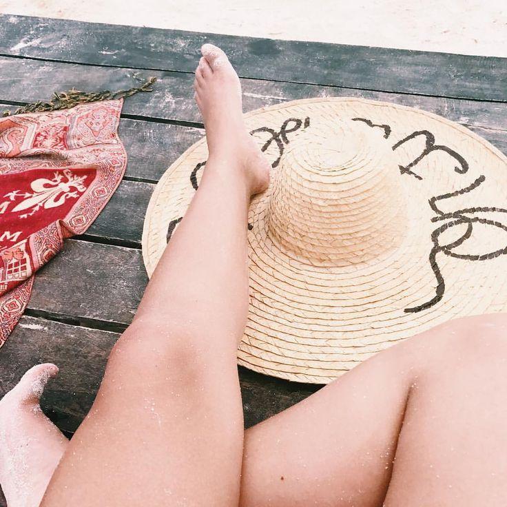Come back beach👒🌊✨ #STOPCOMPLAININGIDO #beach #ootd #outfit #outfitbeach #wearing #sombrerodepaja #mydesing #summer #july #archipielago #tintipan #goodbyesummer #sandonmyfeet