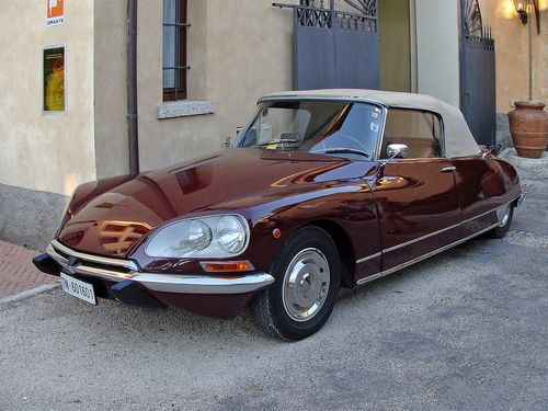 The Citroen DS is an automobile that was manufacturerd and marketed by the French Company Citroen from 1955 to 1975. It was styled exclusively by sculptor and industrial designer Flaminio Bertoni, and was specifically known for its aerodynamic futuristic body design and innovative technology.