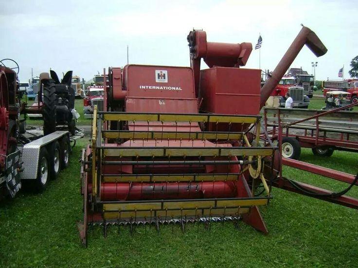 gleaner combine vintage pull type jpg 1152x768