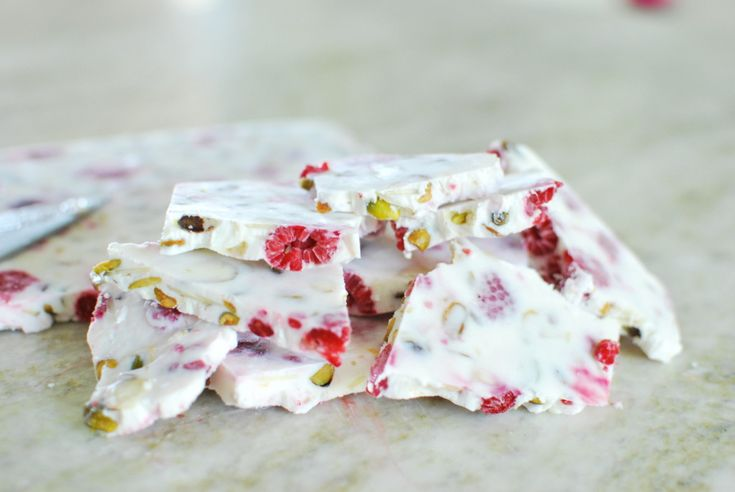 Summer was made for simple snacks like this Raspberry Greek Yogurt Bark! Made with only whole food ingredients & packed with protein, fiber & healthy fat.
