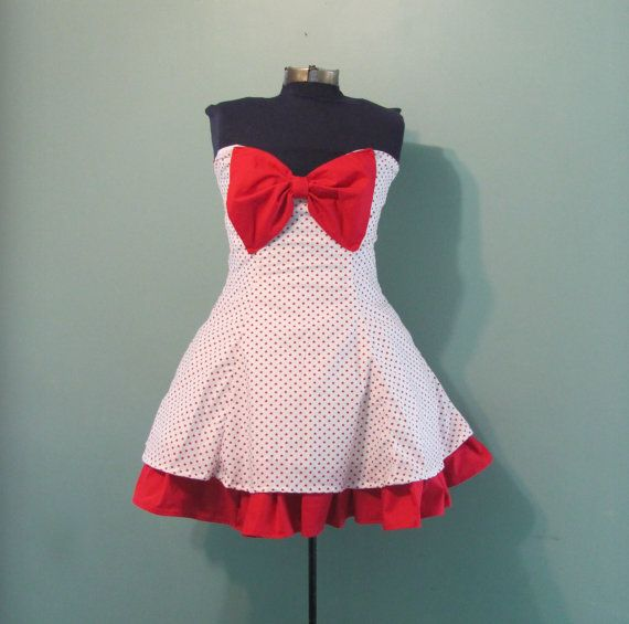 Womens White with Red Star Print Dress Vintage by offbeatvintage, $68.00