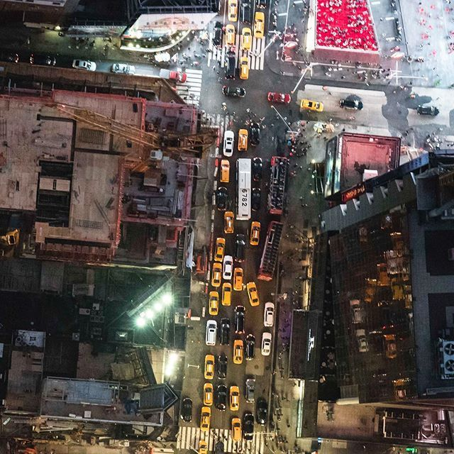 Traffic.....📸⚡️⚡️ . #hiddenfromsociety #rooftops #broadway #newyorkcity #abc7ny #summer #electric_shotz #dailyscape #newyorkstateofmind #fun #travel #photooftheday #topnewyorkphoto #new_york_city_photo #downtown #realestate #travelawesome #nightphotography #aov10k #manhattan #way2ill #nycprimeshot #igcapture_nyc #wonderfulplaces #timessquare #shotaward #whyilovenyc #aerial #helicopter