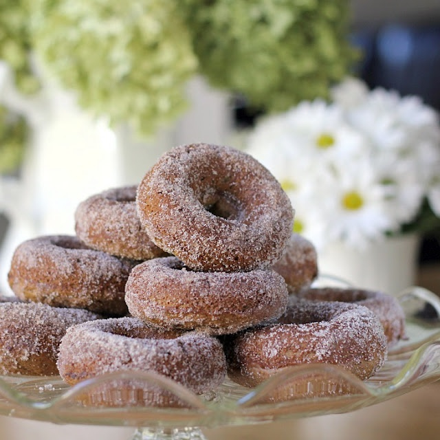 apple cider doughnuts. i have everything for these (including doughnut ...
