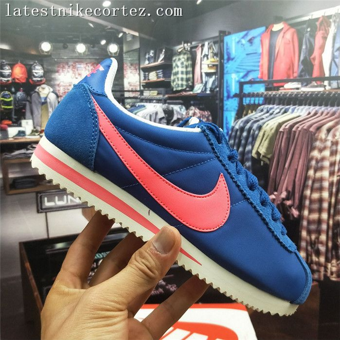 buy online 1828b e3c1a 2018 Nike Classic Cortez Womens Runner 749864-402 Navy Blue Pink UK