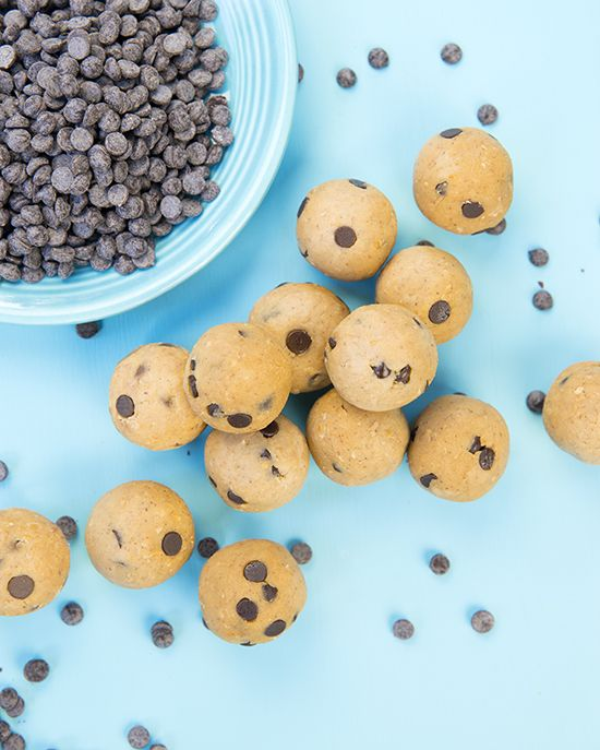 Chickpea cookie dough balls! Delicious high-protein, low-calorie snacks