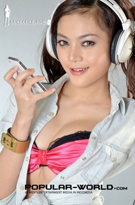 Model Popular Babes From Net Septermber 2012 Ananda Gurciani [PIC]  Model Popular, Model FHM, Model Seksi, Foto Artis, Foto Seleb Indo: