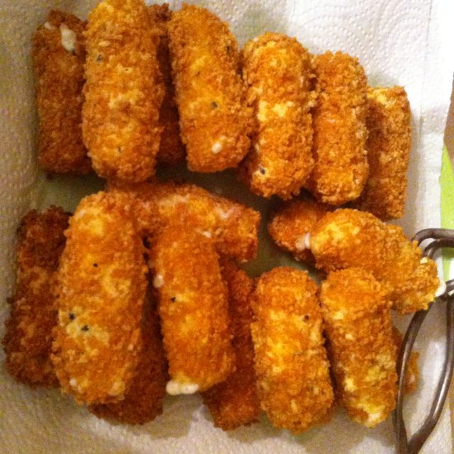 Gluten free cheese sticks. Used rice flour and corn chex. Crunchy.