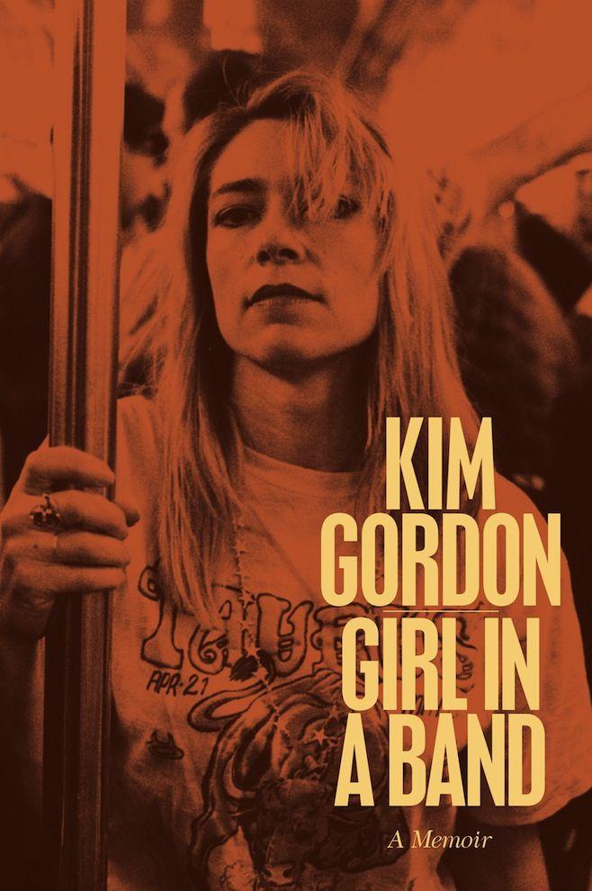 Livro fala sobre envolvimento da baixista do Sonic Youth com a arte e com Thurston Moore.