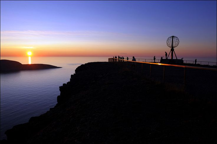 The North Cape, around 71 degrees north and approximately 2,000 km from the North Pole, is located on Magerøya at the very end of the European landmass. The plateau itself rises 307 metres almost straight up from the Arctic Sea, but it is flat at the top.