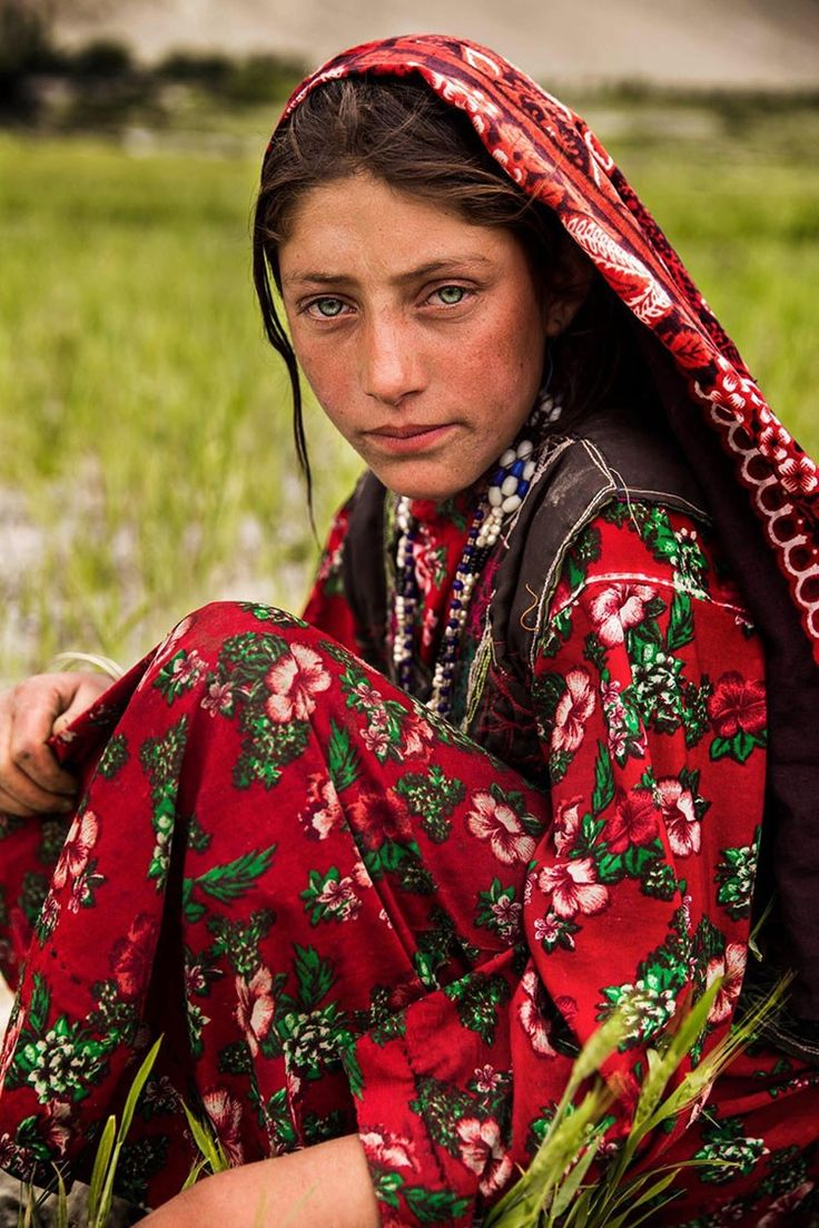Photographer Captures the Diverse Beauty of Women Around the World - Wakhan Corridor, Afghanistan