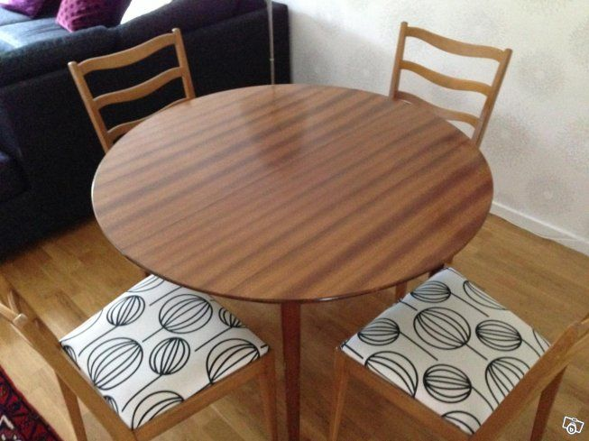 Matbord i Teak 50-tal Gustiavianska stolar | Stockholm