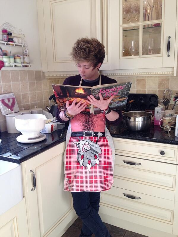 Connor Ball | The Vamps | #thevampsband Wow he has the looks plus he can cook plus we looks so good in that apron