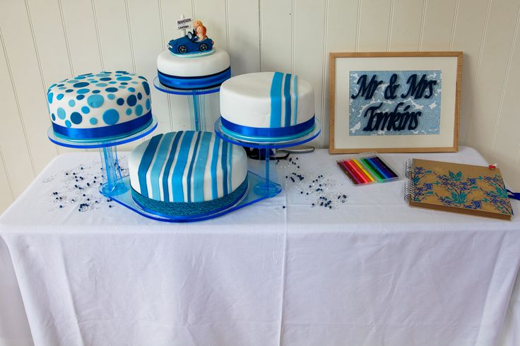 Our amazing blue cake!  16/08/2014