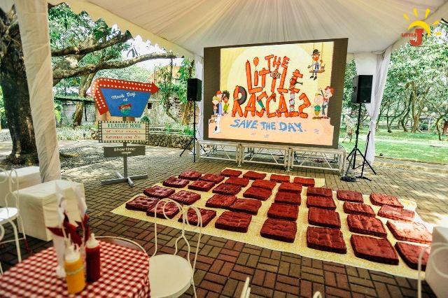 Yuna S Retro Kitchen Inspired Party Retro Outdoor Movie