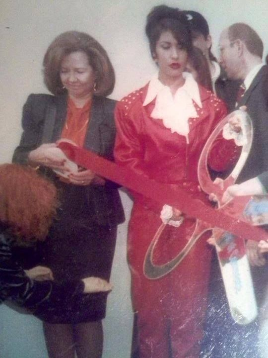 Selena opening her boutique in Corpus Christi, Texas in 1994