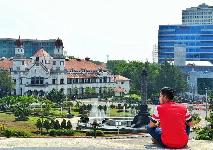 Dengan berkunjung ke Monumen Tugu Muda Semarang ini Dolaners bisa berwisata sekaligus mengenang perjuangan para pahlawan untuk menumbuhkan semangat juang dalam membangun Indonesia kedepannya.[Photo by instagram.com/iqbal_musawa]