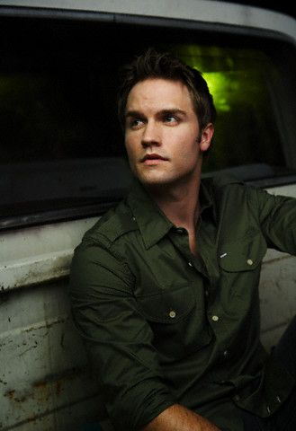 Scott Porter: keeping with the Friday Nights Connection.... Jason Street!