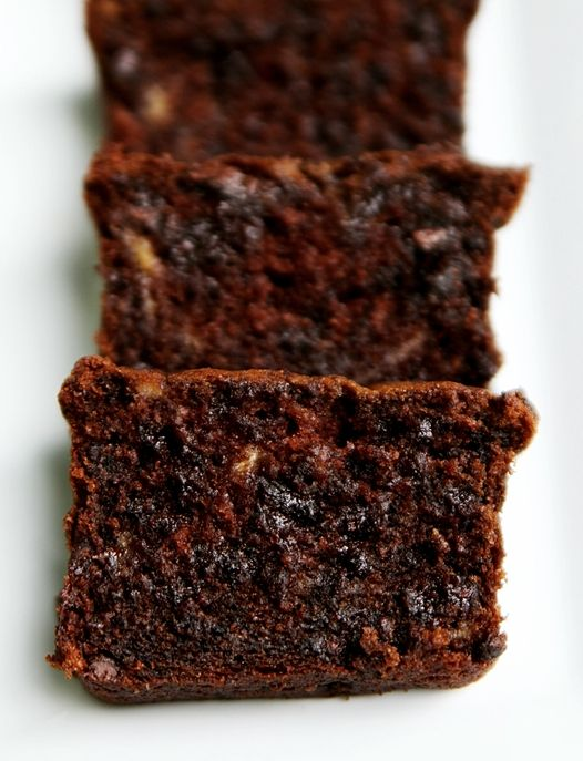 Sour Cream Chocolate Chocolate Chip Banana Bread...  with that much chocolate it has to be good!: Chips Bananas, Sour Cream, Chocolates Chocolates, Chocolates Chips, Chocolate Chips, Bananas Breads Recipes, Sourcream, Chocolates Bananas Breads, Cream Chocolates