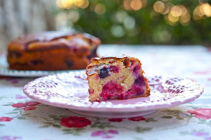 Ягодный пирог с йогуртом / Torta allo yogurt con frutti di bosco