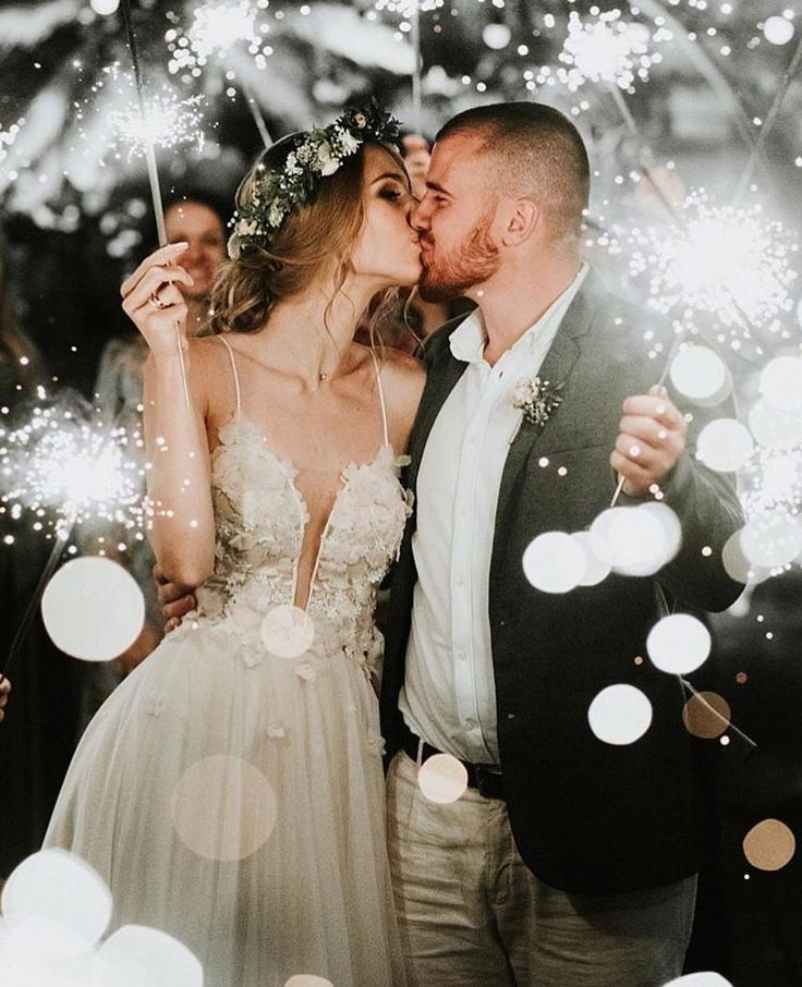 """Free-spirited Brides on Instagram: """"We're in love with this photograph ❤️ All …"""