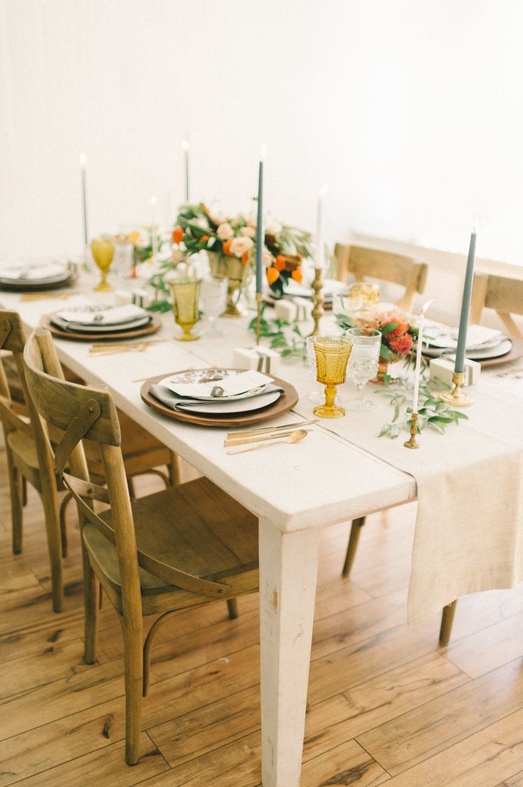 Copy This Fall Party Blueprint for a Perfectly Festive Fete || Rustic Fashioned Walnut Crossback Chairs || Photography: Elizabeth Fogarty. Design & Styling: Kari Rider Events. Rentals: White Glove Rentals.