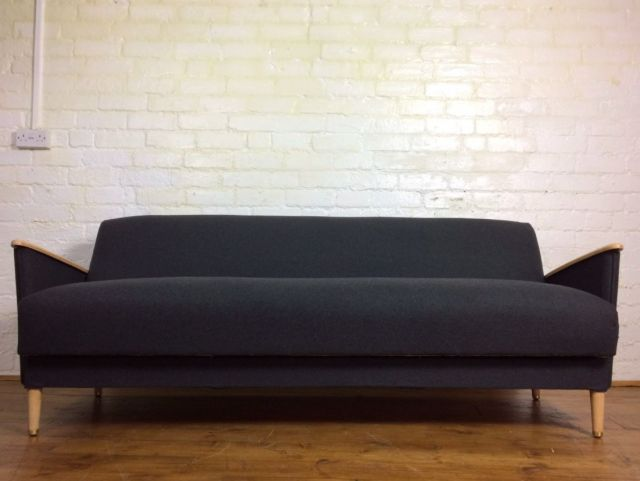 Mid-Century British Sofa Bed, 1950s for sale at Pamono