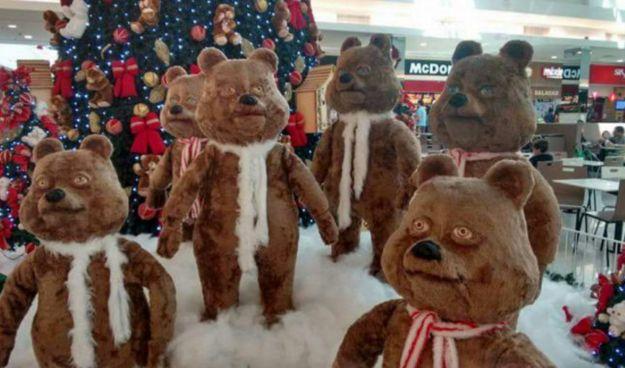 Derjenige, der diese Zombie-Apokalypse aufbaute. | 26 Menschen, die zu Weihnachten definitiv zu weit gegangen sind