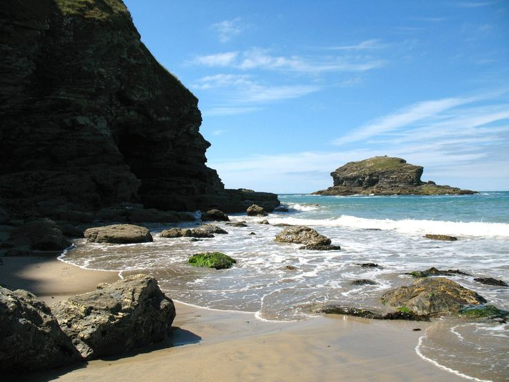 Portreath on the North Cornish Coast by Maria Skipton - http://www.silversurfers.com/picture-of-the-day/portreath-north-cornish-coast-maria-skipton/