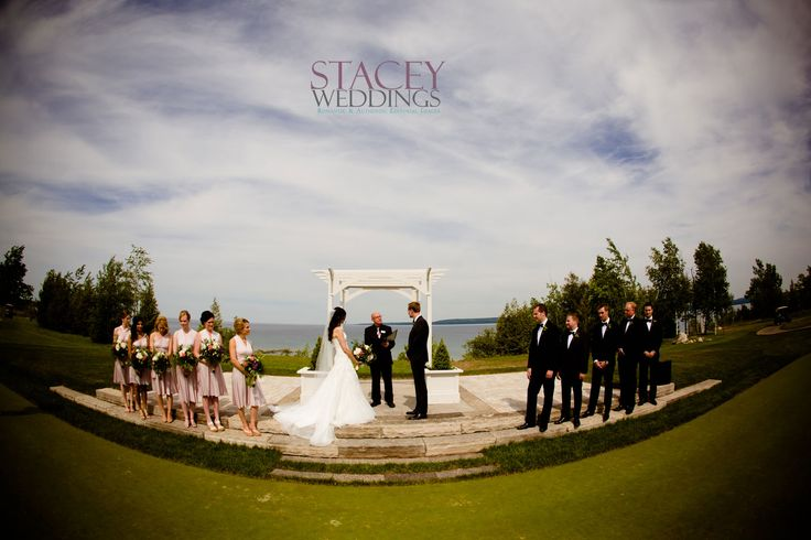 Outdoor ceremony at Cobble Beach Golf Resort, Kemble ON.