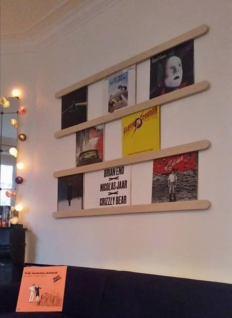 Range-disques mural - 150€.