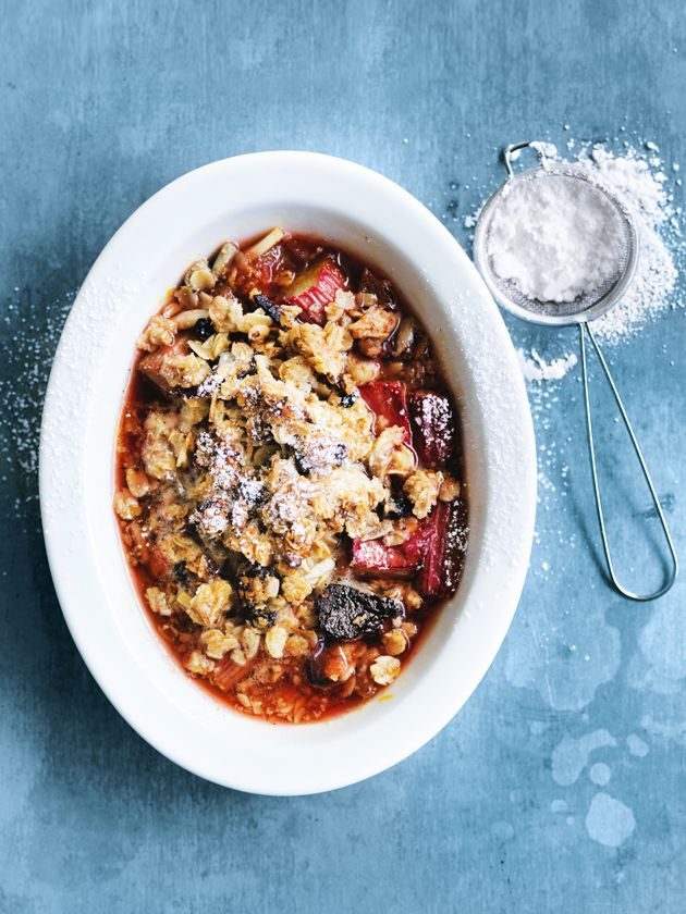 rhubarb, orange and muesli crumbles