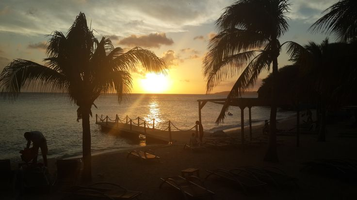 Sunset Kokomo beach 2015, Curacao   Want to see it in real life, book Villa Breeze Curacao (see my other board) via Airbnb