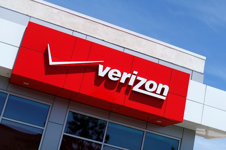 Verizon is reportedly in talks to merge with Charter, America's second-biggest cable company