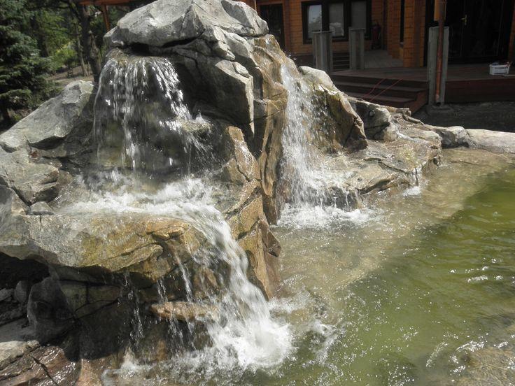 #дизайн_водопада #пруд_с_водопадом #оригинальный_водопад #садовые_пруды_и_фонтаны #домашний_водопад #пруд_из_камня #оформление_водопада_в_саду Наша компания #изготавливает# #под_заказ# #водопады_и_фонтаны# различных моделей. Мы являемся #производителями_водопадов# и комплектующих к ним.