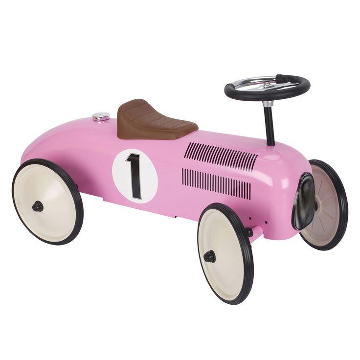 Leuke metalen race auto. Geschikt voor kindjes vanaf 1 jaar. Te vinden bij Sassefras Meisjes Speelgoed voor écht peuter en kleuter speelgoed.