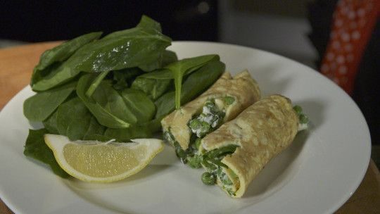 Herby feta and pea wraps