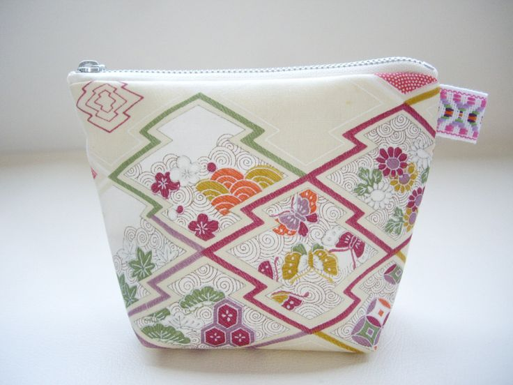 Japanese cosmetic bag, Make up bag, White kimono fabric, Zipper pouch, Toiletry bag, Japanese gift idea, Gift for mom, girl friends, Wayoko by WAYOKO on Etsy