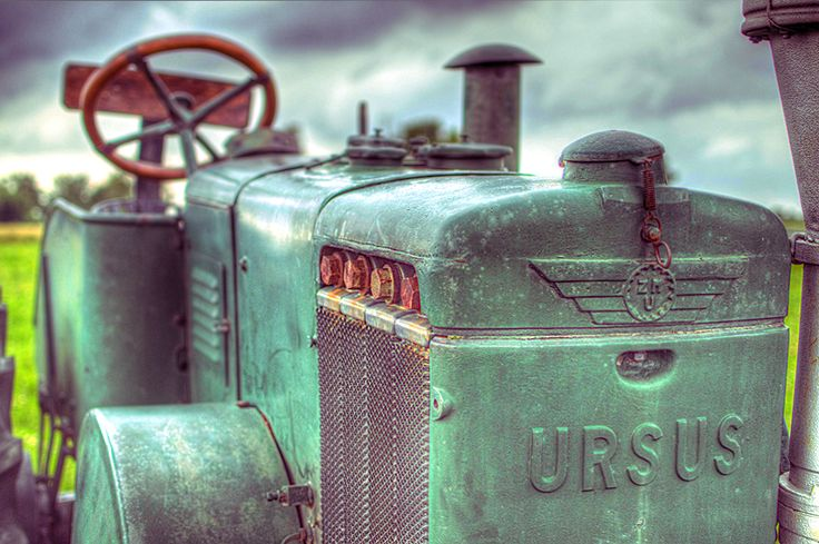 An old Ursusu tractor.